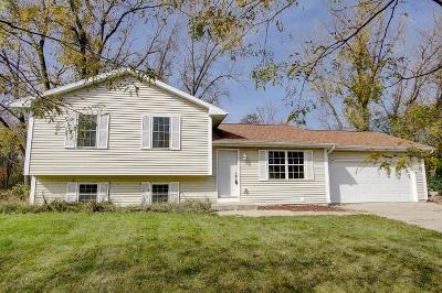 Jefferson Single Family Home Active Contingent With Offer: 255 Maggilu Ct