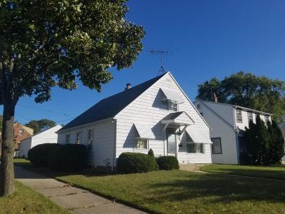 Single Family Home Active Contingent With Offer: 3802 S 15th Pl