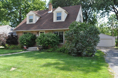 Menomonee Falls Single Family Home Active Contingent With Offer: W167n8436 Theodore Ave