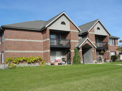 Muskego Condo/Townhouse For Sale: S75w16788 Jacob Ct #10