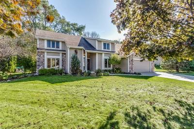 Waukesha Single Family Home Active Contingent With Offer: 1240 Pioneer Trl
