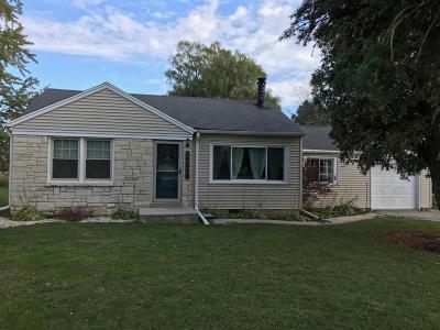 Oak Creek Single Family Home For Sale: 10016 Nicholson Rd