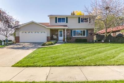 Kenosha Single Family Home For Sale: 7022 49th Ave