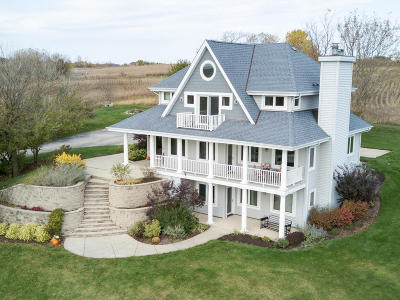 Pewaukee Single Family Home Active Contingent With Offer: N52w26986 Jessica Dr