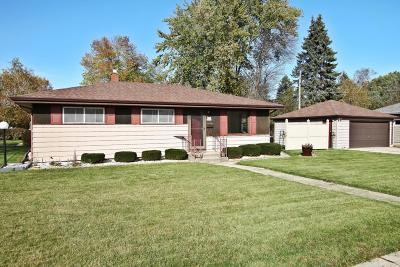 Menomonee Falls Single Family Home Active Contingent With Offer: W170n8408 Lloyd Ave