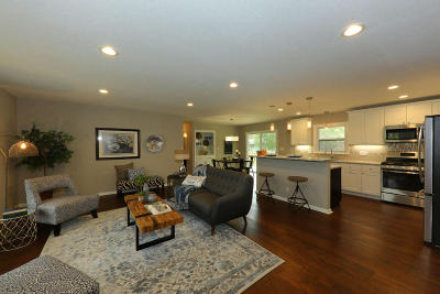 Brookfield Single Family Home Active Contingent With Offer: 16635 Willow Ridge Ln