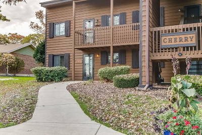 Kenosha County Condo/Townhouse Active Contingent With Offer: 6940 238th Ave #1