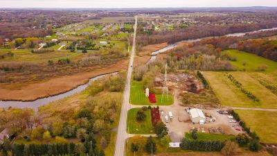 Waukesha County Two Family Home For Sale: W275n7813 Lake Five Rd