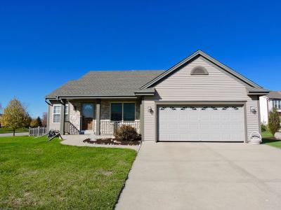 Single Family Home Active Contingent With Offer: 906 N Sandy Ct