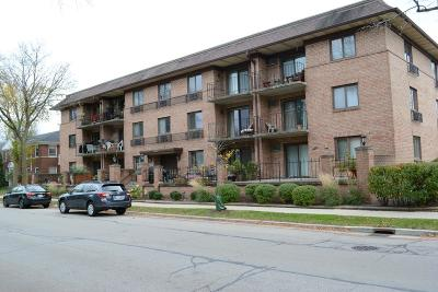 Whitefish Bay Condo/Townhouse For Sale: 303 E Henry Clay St #306