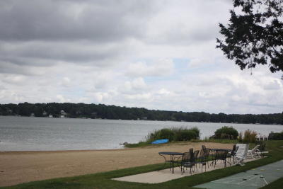 Racine County Condo/Townhouse For Sale: 3405 S Browns Lake Dr #7