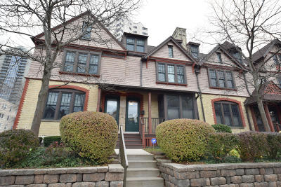 Milwaukee Condo/Townhouse Active Contingent With Offer: 1628 N Farwell Ave