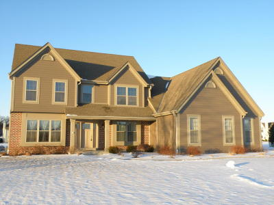 Single Family Home For Sale: N74w28630 Zimmers Xing