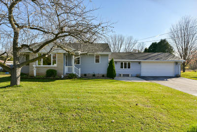 Ozaukee County Single Family Home Active Contingent With Offer: N5484 2nd St