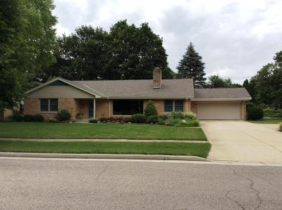 Racine County Single Family Home For Sale: 141 W Chandler Blvd