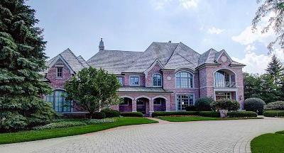 Ozaukee County Single Family Home For Sale: 2903 W Hidden Lake Rd