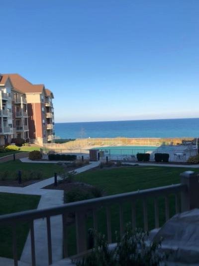 Milwaukee County Condo/Townhouse For Sale: 4120 S Lake Dr #254