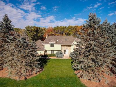 Waukesha County Single Family Home For Sale: 3820 N Southwood Dr