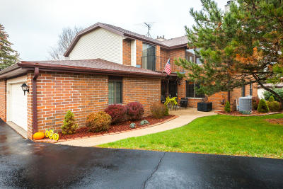 Franklin Condo/Townhouse Active Contingent With Offer: 8108 S Legend Dr #B