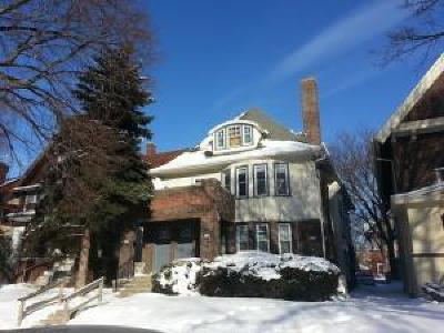 Milwaukee Multi Family Home Active Contingent With Offer: 3038 N Farwell Ave #3040