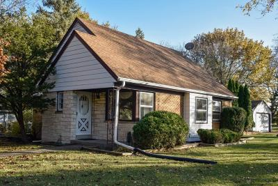 Brookfield Single Family Home Active Contingent With Offer: 14265 Regis St