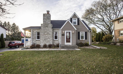 West Allis Single Family Home For Sale: 2721 S 76th