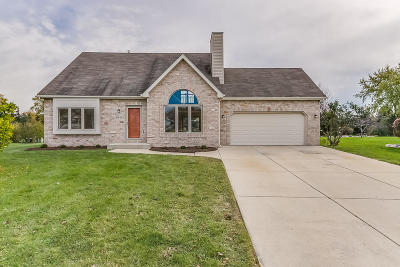 Racine County Single Family Home Active Contingent With Offer: 6511 Primrose Way