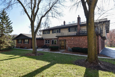 Brookfield Condo/Townhouse For Sale: 17621 Nassau Dr