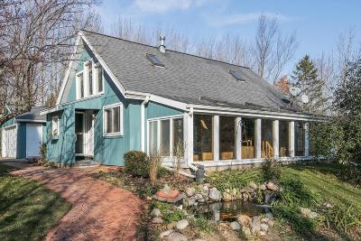 Cedarburg Single Family Home For Sale: 280 High Forest Dr