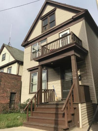 Milwaukee Multi Family Home For Sale: 1551 S 8th St