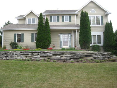 Waukesha County Single Family Home For Sale: N21w26712 Cattail Ct