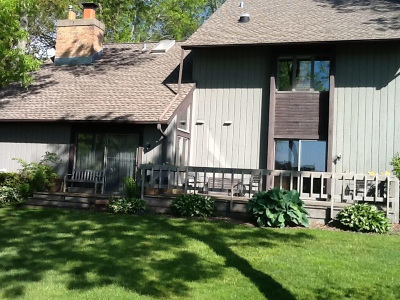 Racine County Condo/Townhouse Active Contingent With Offer: 26 Lakewood Dr