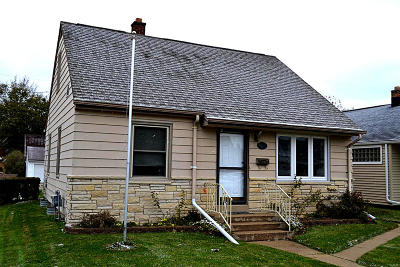 South Milwaukee Single Family Home For Sale: 1426 Manistique Ave