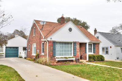 Wauwatosa Single Family Home For Sale: 7428 W Meinecke Ave