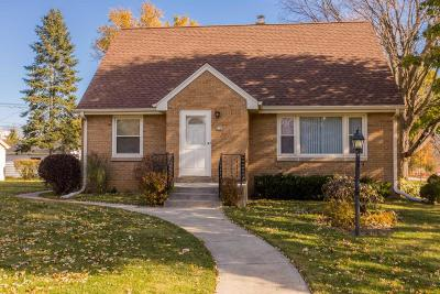 Wauwatosa Single Family Home For Sale: 2108 N 106th St