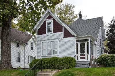 Milwaukee Single Family Home For Sale: 3106 N Newhall