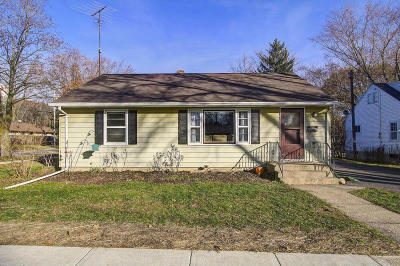 Jefferson Single Family Home Active Contingent With Offer: 403 E Ogden St