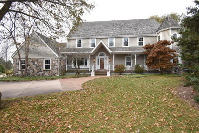 Ozaukee County Single Family Home For Sale: 3127 W Woodfield Dr
