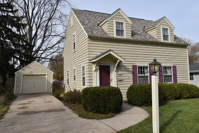 Waukesha Single Family Home For Sale: 204 S Greenfield Ave