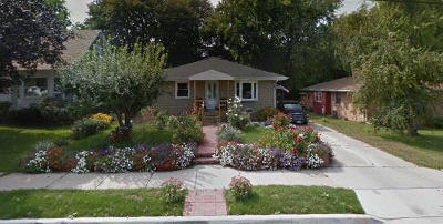 Single Family Home Active Contingent With Offer: 544 Michigan Ave