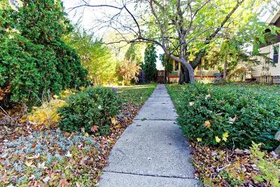 West Allis Single Family Home For Sale: 2118 S 68th St