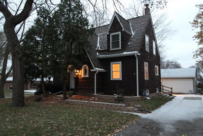 West Allis Single Family Home For Sale: 2481 S 95th St