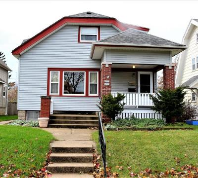 Milwaukee County Two Family Home Active Contingent With Offer: 4513 N Bartlett #4515