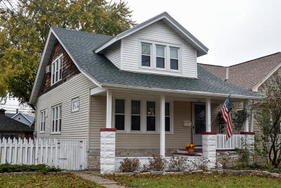 West Allis Single Family Home For Sale: 1025 S 73rd St