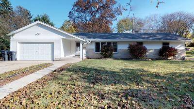 Waukesha Single Family Home For Sale: 809 S Charles St