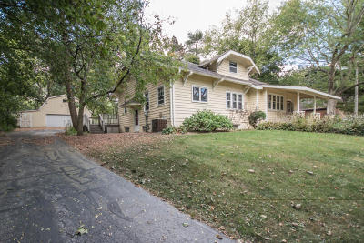 Waukesha Single Family Home For Sale: S23w23099 Broadway