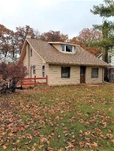 Waukesha County Single Family Home For Sale: N26w27336 Prospect Ave
