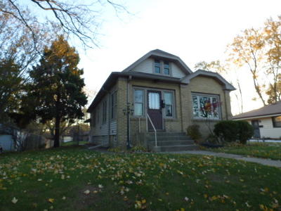 West Allis Single Family Home Active Contingent With Offer: 8521 W Arthur Ave