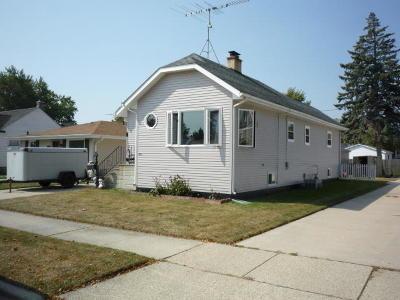 Kenosha County Single Family Home For Sale: 2716 23rd Ave