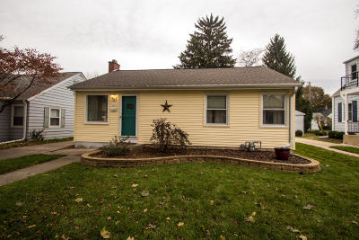 Milwaukee Single Family Home For Sale: 2121 N 85th St